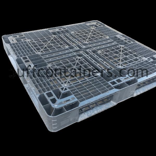 """Light Plastic Reusable Pallet 43"""" x 43"""""""